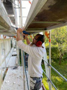 Betonsanierung Stuttgart: Handwerker am Arbeiten