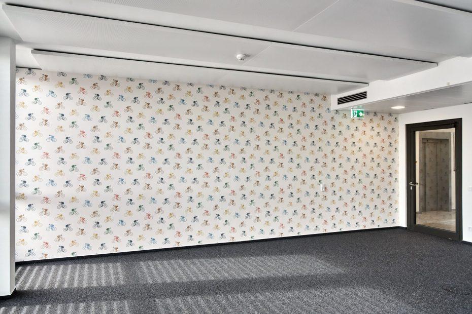Hochwertige Tapezierarbeiten in einem modernen Stuttgarter Büro im Europaviertel 7