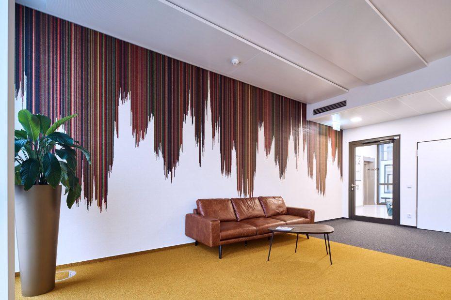 Hochwertige Tapezierarbeiten in einem modernen Stuttgarter Büro im Europaviertel 11