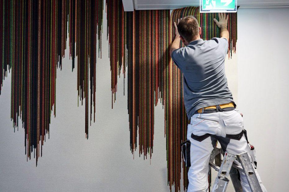 Hochwertige Tapezierarbeiten in einem modernen Stuttgarter Büro im Europaviertel 20
