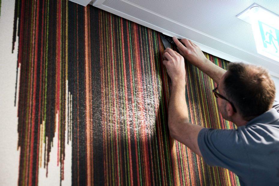 Hochwertige Tapezierarbeiten in einem modernen Stuttgarter Büro im Europaviertel 21