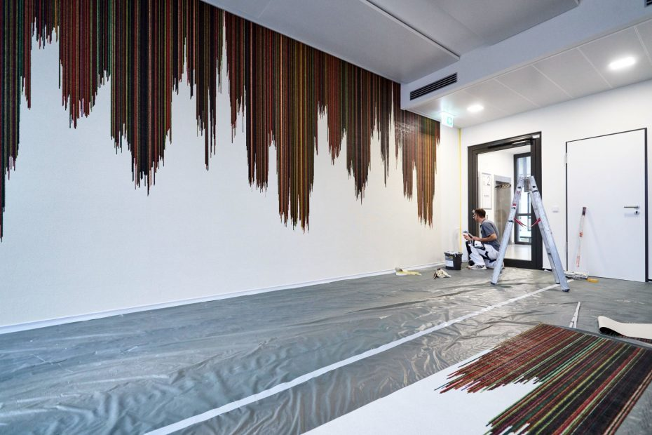 Hochwertige Tapezierarbeiten in einem modernen Stuttgarter Büro im Europaviertel 34