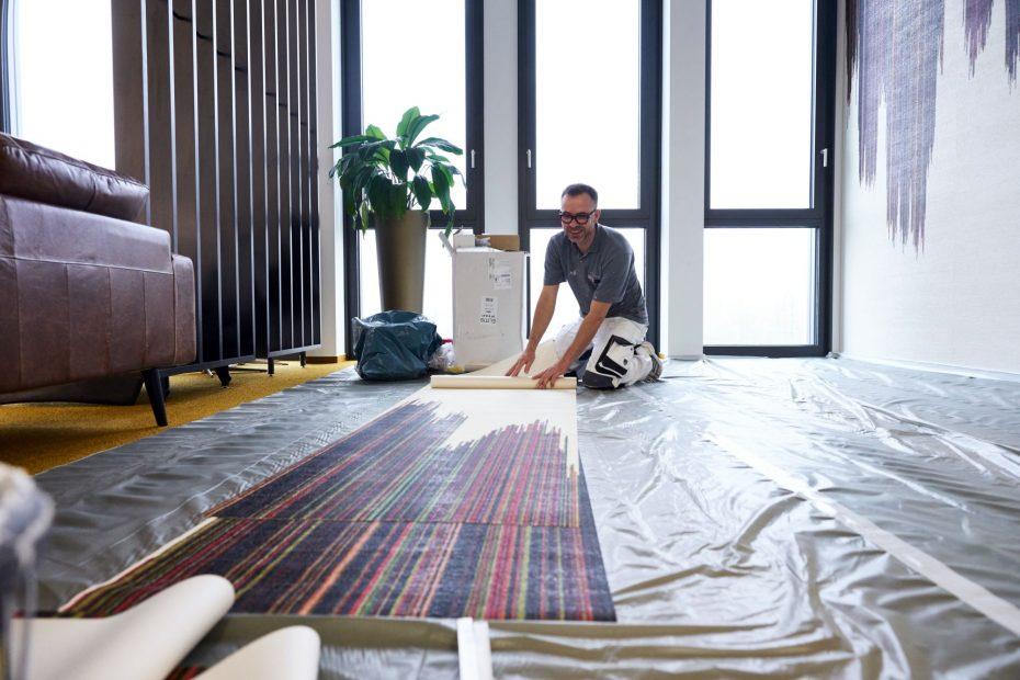 Hochwertige Tapezierarbeiten in einem modernen Stuttgarter Büro im Europaviertel 39